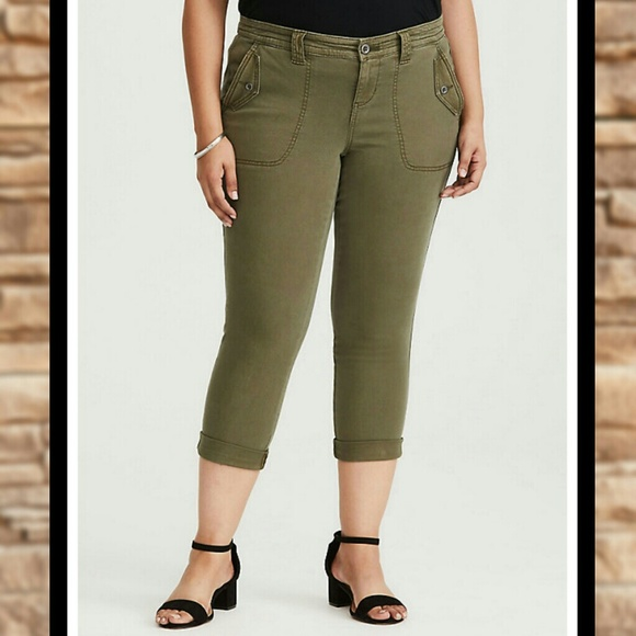 774ed3b278f NWT TORRID Military Twill PLUS SIZE Cropped Jeans